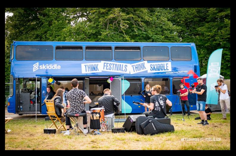 Skiddle-Bus